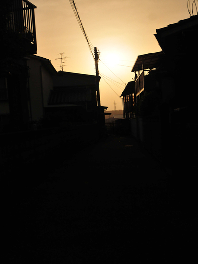 Evening_of_town01w