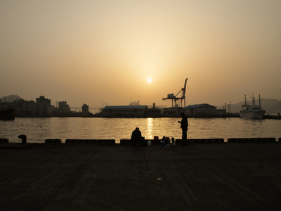 Morning_sun_of_shimonoseki_porta01w