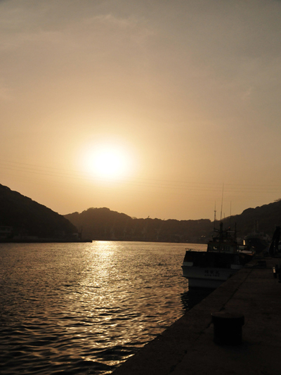 Izaki_fishing_port03w