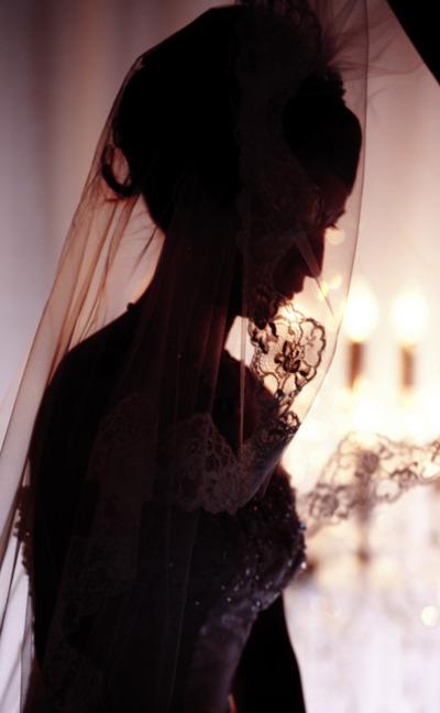 Bride_in_the_light001e