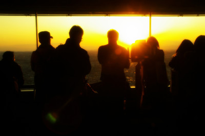 People_stare_at_each_sunset001w