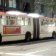 街を走るトロリーバス