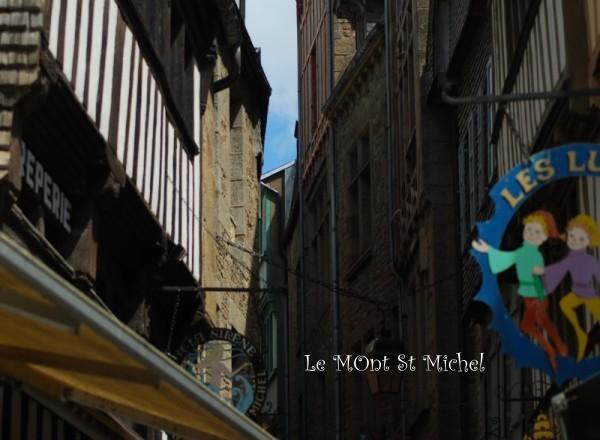 Le_mont_st_michel_ruelleb1w