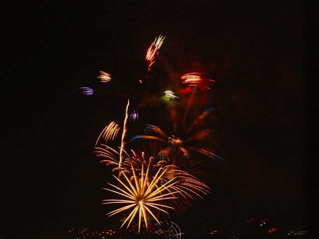 The_fireworks_of_tokyo_bay1w