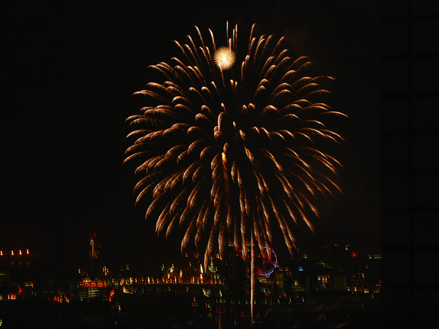 The_fireworks_of_tokyo_bay3w