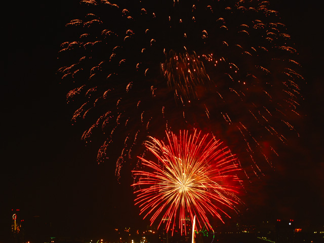 The_fireworks_of_tokyo_bay5w