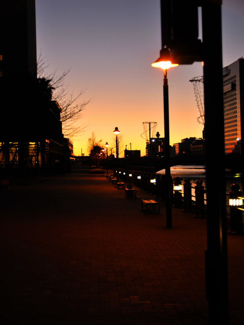 The_morning_glow_of_the_townc1w